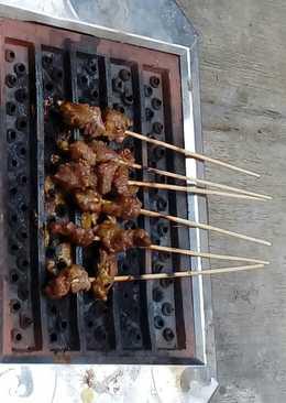 Indonesian Meat BBQ w/ Peanut Sauce/Sate/Satay
