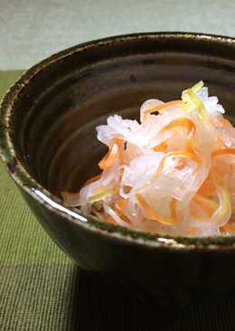 Kouhaku Namasu (Daikon and carrot pickles)