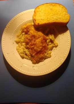 Crispy chicken cacciatore with pasta alfredo