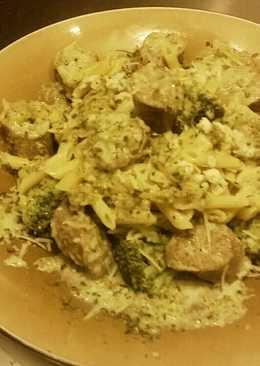 Garlic & Cheese Sausage with Broccoli and Gorgonzola Cream Sauce
