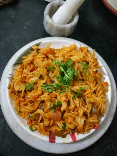Fussili pasta with tandoori butter masala
