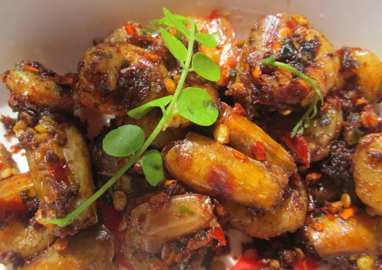 Stir Freid Prawns in Curry Leaves