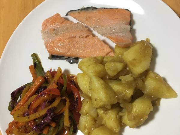 Curry Potatoes, sweet chilli stir fry with salmon