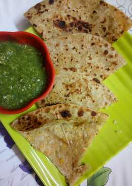 Chole rice paratha with small kachri & mix coriander chutney (without onion)