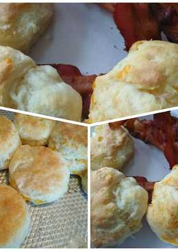 Bigmama's Cream Cheese and Cheddar Biscuits