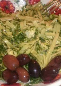 Chicken and spinach light pasta