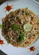 Puffed rice green pea poha