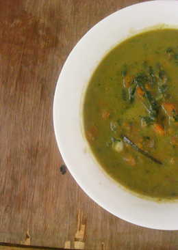 Paleo: Spiced carrot spinach soup