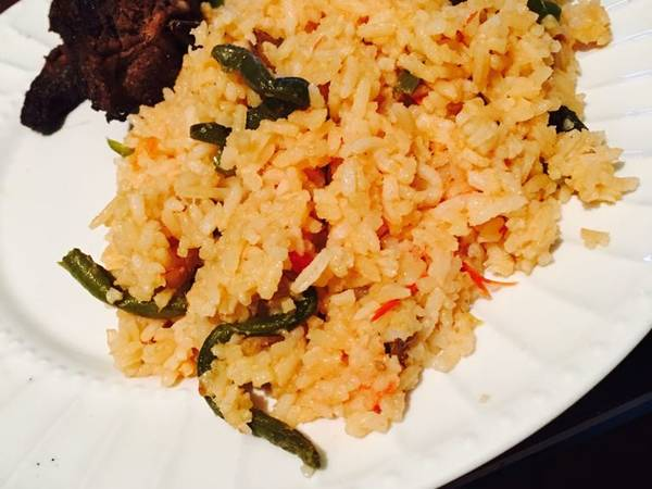 Tomato rice with beans