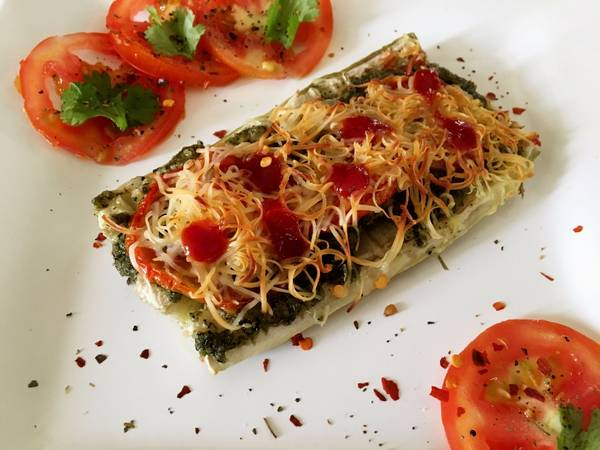 Lauki Pizza with Pesto