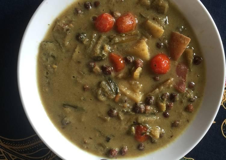 Puntarelle, Black Chickpeas and Avocado Soup