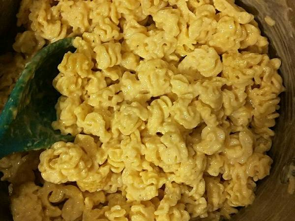 Easy Stove Top Mac n Cheese