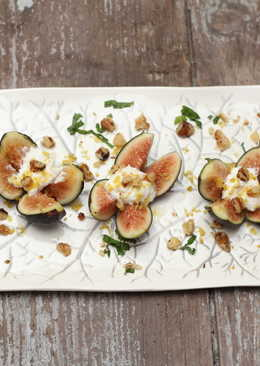 Figs, ricotta + honey