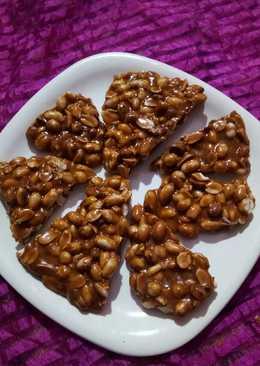 Jaggery peanut chikki