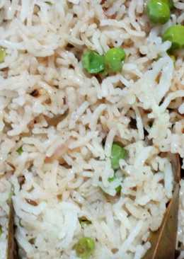 Curd and peas biryani