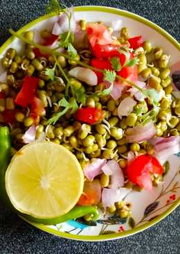 Moong dal sprouts chaat