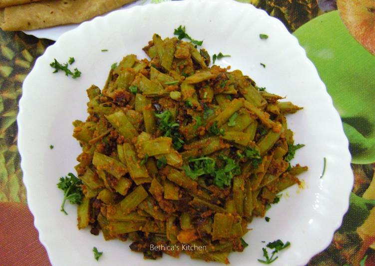 Gavar Chi Bhaji (Cluster Beans Curry - Maharashtrian Style