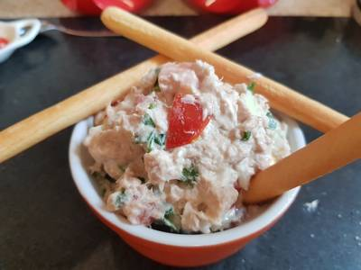 My Tuna tomato Salad Dip😀