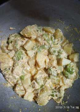 Poppy seeds curry with potato and ridge gourd