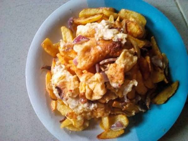 Irish potatoes chips and fried egg