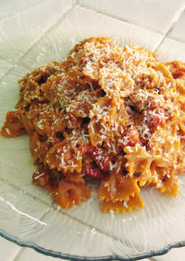 Farfalle pasta with soy