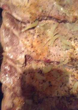 Bake pork steak with onions