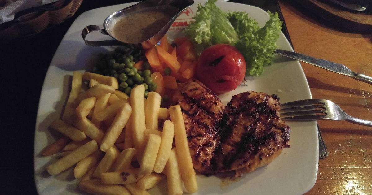 Grilled chicken breast Recipe by Rola Haddad - Cookpad