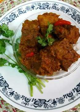 Dimer dhoka / steamed egg cake curry