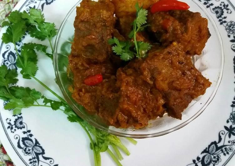 Dimer dhoka / steamed egg cake curry Recipe by Uma Pandit - Cookpad