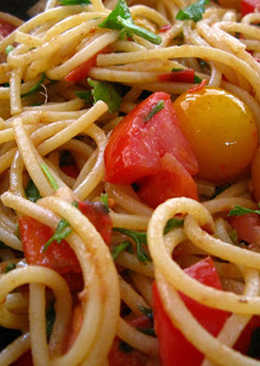 Super Easy Spaghetti with Anchovies & Fresh Tomatoes for Two