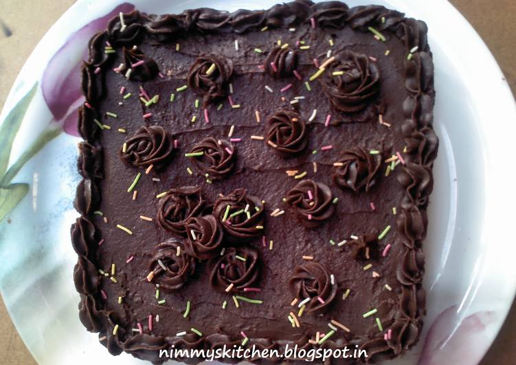 Chocolate Fudge Cake with Chocolate Frosting