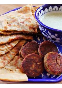 Allo ka Paratha - Potato stuffed buttered flat bread