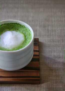 The perfect foamy Matcha Latte