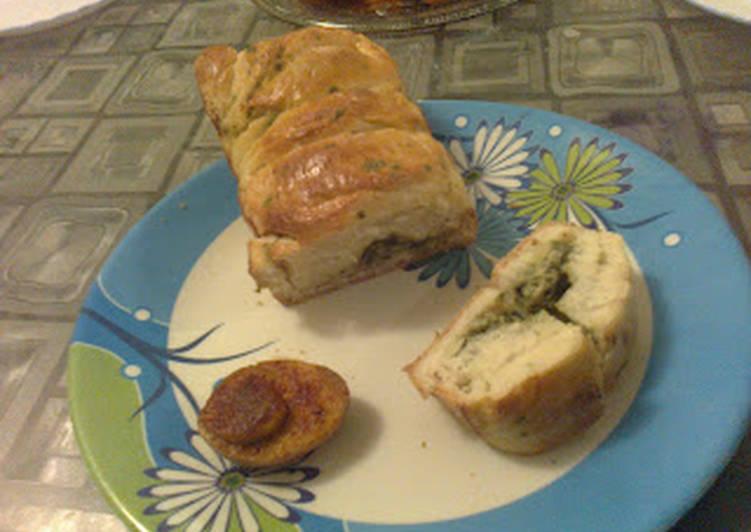 Cheesy Coriander Bread