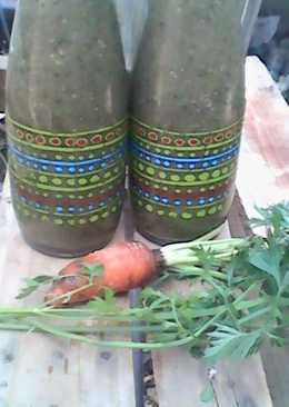 Carrot top and nopal smoothie