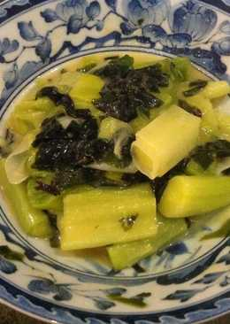 Leek and wakame with miso