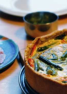 Asparagus quiche with carrots