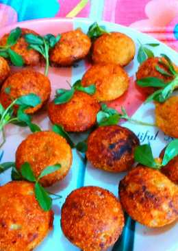 Potatoes onion fritters / aalu pyaaz pakora in appe pan