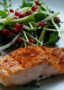 Panfry Salmon with spices and Apple salad