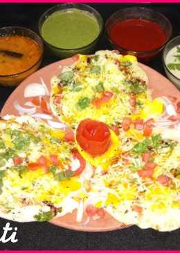 Cheesy Egg Uttapam
