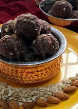 Chocolate chickpea malai mawa Laddu