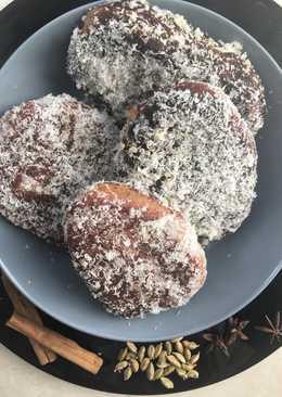 Cape Malay koesister (doughnut)