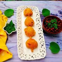 Ajwain Patte ke Pakode or Carom Leaf Fritters