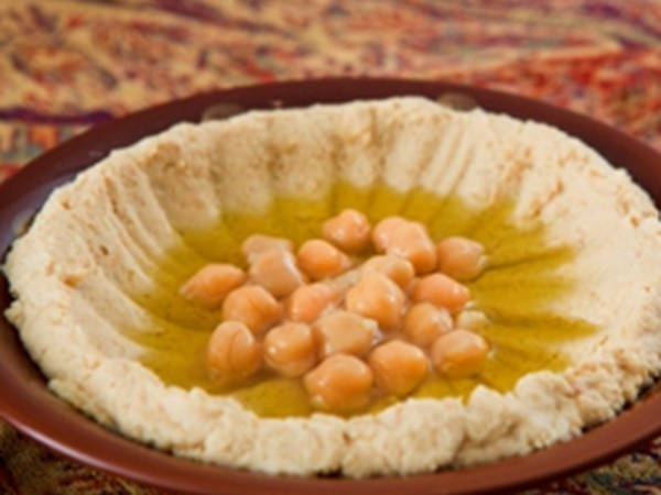 Chickpeas puree and tahini - hummus bi tahini