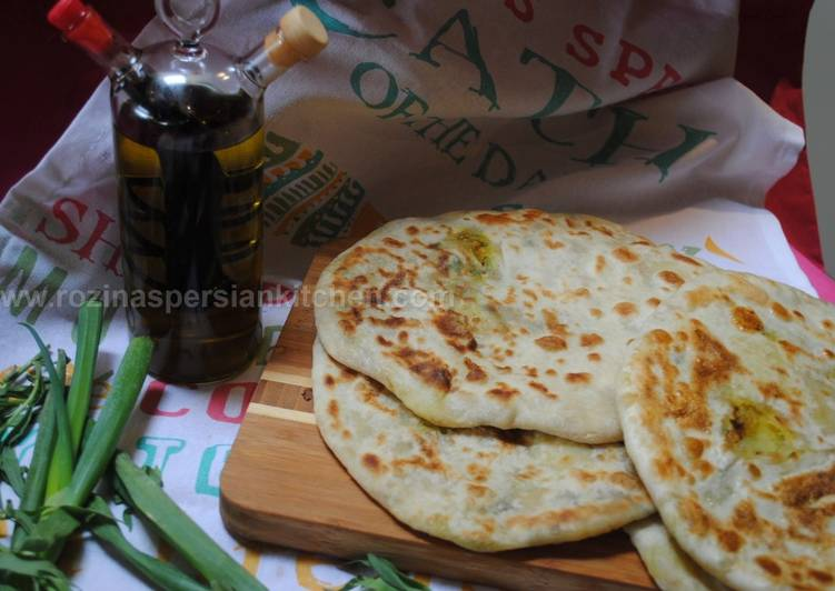 Potato Stuffed Bread (Naan Shekampur)