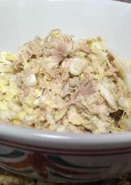 Chinese cabbage and tuna salad
