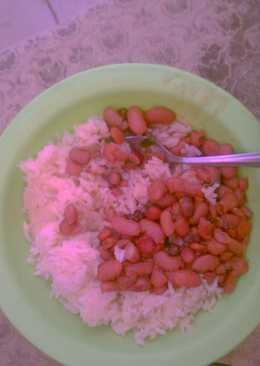 Boiled rice and beans