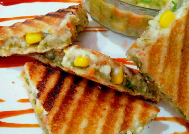 Chinese indian style veg grilled sandwich recipe by aarti jain cookpad chinese indian style veg grilled sandwich forumfinder Image collections