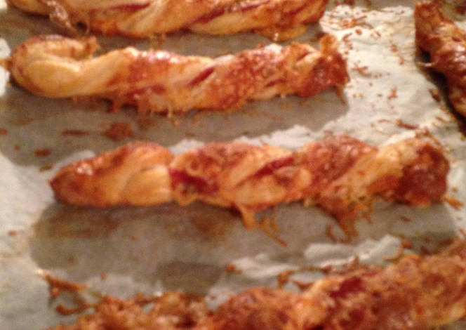 Resep Christmas Parma Ham and Stilton Cheese Straws