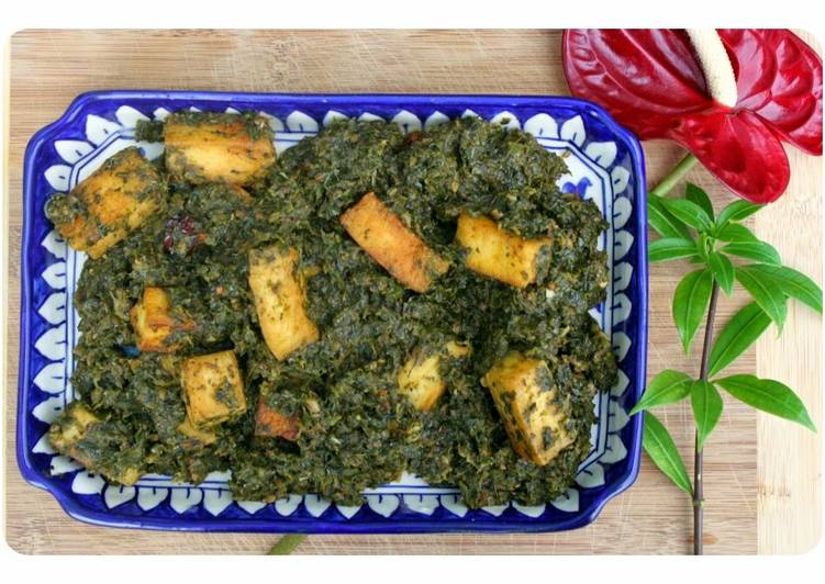 Palak Paneer - Pakistani style Curried Spinach & Cottage Cheese
